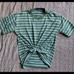 🌵STRIPED BAGGY MENS TEE SIZE SMALL